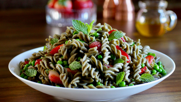 Vegan Recipe: Mung Bean Rotini with Peas and Mint