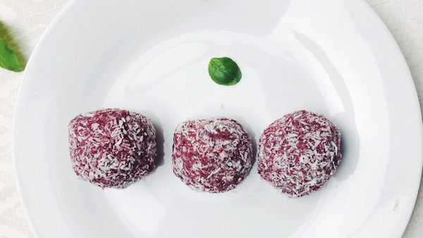 Refined Sugar-free Red Velvet Energy Balls