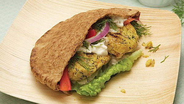 Dilled Chickpea Burger With Spicy Yogurt Sauce