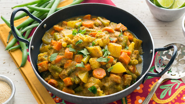 Vegan Recipe: Mixed Winter Veggie Curry with Poppy Seeds