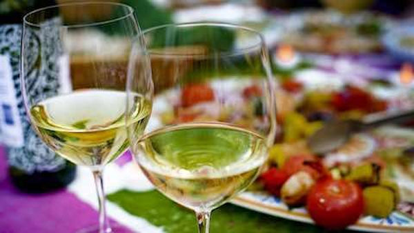 Pairing Wine with Your Favorite Summer Meals and Desserts
